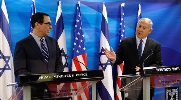 نتانياهو ومنوشين في مؤتمرهما الصحافي المشترك (رويترز)