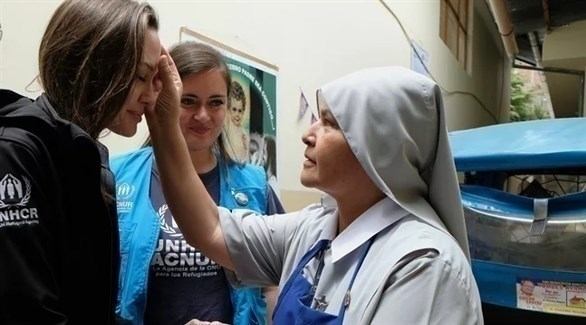 أنجلينا جولي خلال زيارتها للاجئين الفنزويليين في بيرو