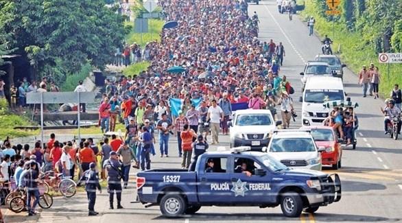 المهاجرون القادمون من هندوراس في سيوداد هيدالغو جنوب المكسيك (رويترز)