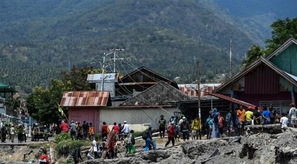 آثار الزلزالين المدمرين في إندونيسيا الأسبوع الماضي (أ ف ب)