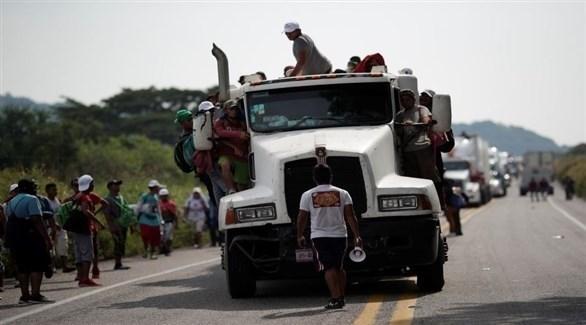 شاحنات تُقل المهاجرين من أمريكا اللاتينية إلى أمريكا عبر المكسيك (أرشيف)