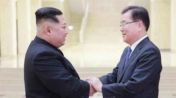 زعيم كوريا الشمالية كيم جونغ أون ورئيس كوريا الجنوبية مون جيه إن (أرشيف)