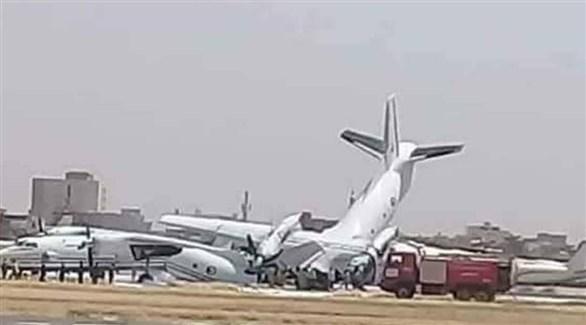 اصطدام طائرتين عسكريتين في مطار الخرطوم (تويتر)