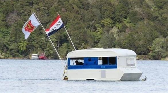 كارافان يصبح قارباً للصيد