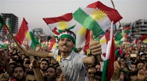 مجموعة من الأكراد خلال أحد التجمعات (غيتي)
