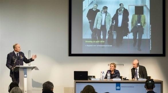 مؤتمر صحفي كشف فيه وزير الدفاع الهولندي عملية التجسس الروسية (وكالات)