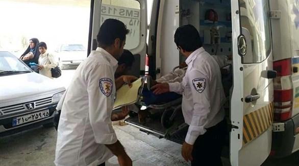 سيارة أسعاف تقل المصابين إلى المستشفى (إرنا)
