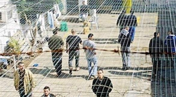 أسرى في سجون الاحتلال (أرشيف)