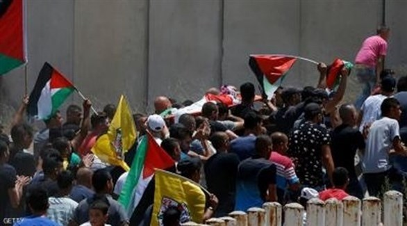 تشييع الفلسطيني في مخيم قلنديا (أرشيف)