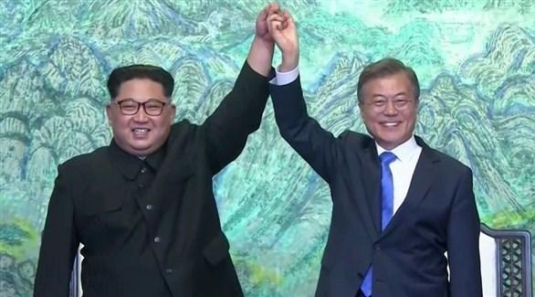 الرئيس الكوري الجنوبي مون جاي إن والزعيم الكوري الشمالي كيم جونغ أون (أرشيف)