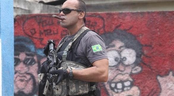 شرطي من وحدة لمكافحة الجريمة في البرازيل (أرشيف)