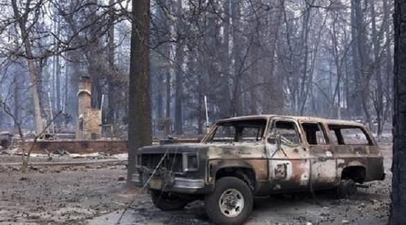 سيارة متفحمة بغابات باراديس في كاليفورنيا (أنسا)