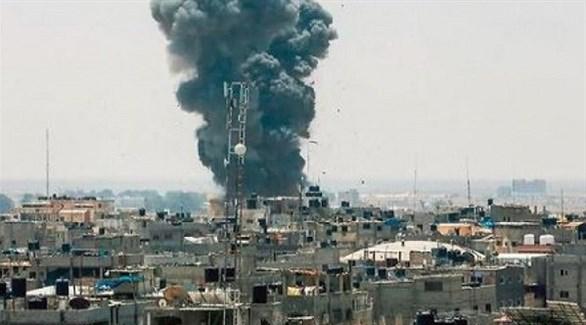 تصاعد الدخان في غزة بعد غارة إسرائيلية (أرشيف)