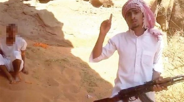 صورة الداعشي سعد العنزي قبل قتل ابن عمه التي نشرها بنفسه على مواقع التواصل (أرشيف)