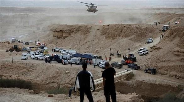فرق الإنقاذ أثناء تدخلها بعد كارثة السيول في البحر الميت (أرشيف)