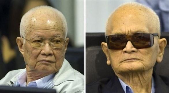 المتهم نيون تشيا والرئيس الكمبودي السابق خيو سامفان (أرشيف)