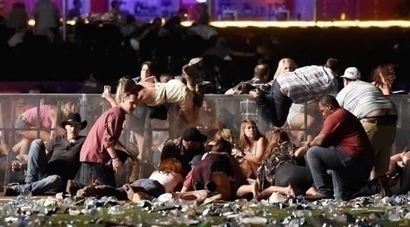 رواد لاس فيغاس يهرعون بحياتهم بعيداً عن الرصاص