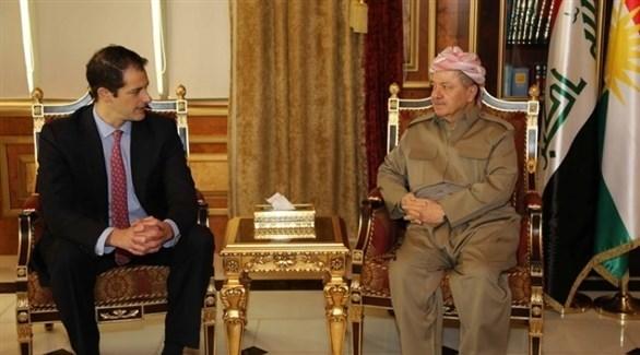 رئيس إقليم كردستان بارزاني ومساعد نائب وزير الخارجية الأمريكي بيك (أرشيف)