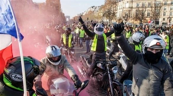 احتجاجات ضد رفع أسعار الوقود بفرنسا (إ ب أ)