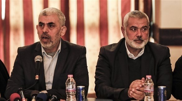 رئيس حماس في غزة يحيى السنوار ورئيس المكتب السياسي للحركة إسماعيل هينة (أرشيف)