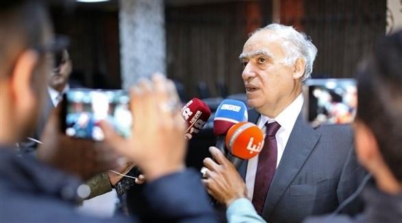 رئيس بعثة الأمم المتحدة لليبيا، غسان سلامة يتحدث للصحفين (تويتر)