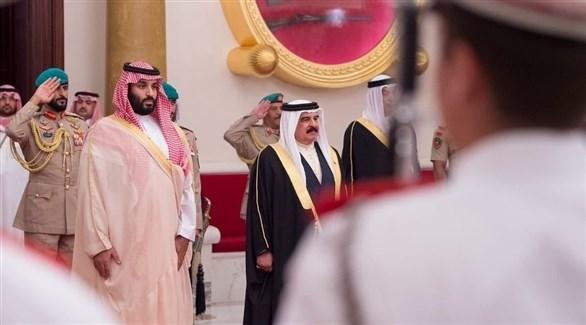 أمير البحرين مستقبلاً ولي العهد السعودي