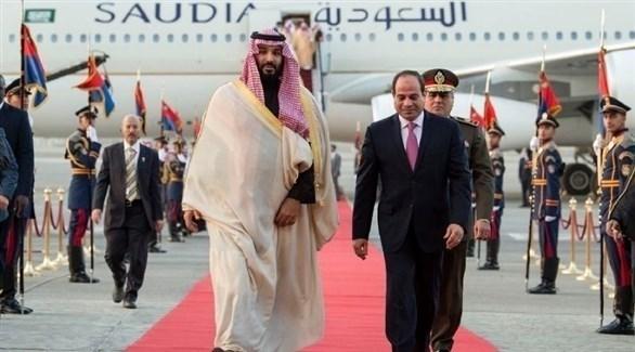 الرئيس المصري عبد الفتاح السيسي وولي العهد السعودي محمد بن سلمان (أرشيف)