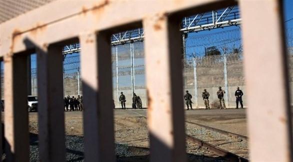 قوات أمريكية عند معبر سان إيسيدرو بكاليفورنيا (إ ب أ)