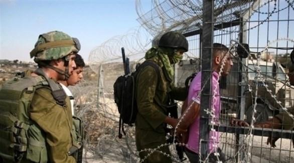الجيش الإسرائيلي يعتقل فلسطينيين حولوا اجتياز الشريط الحدودي (أرشيف)