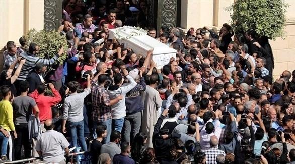 جنازة بعض الضحايا الأقباط في مصر بعد هجوم الجمعة الماضي (غيتي)