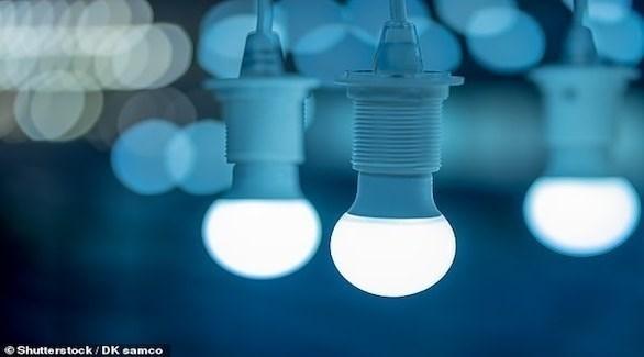 يساعد الضوء الأزرق على تخفيض ضغط الدم (ديلي ميل)