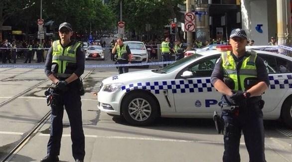 عناصر من الشرطة في موقع الهجوم (تويتر)
