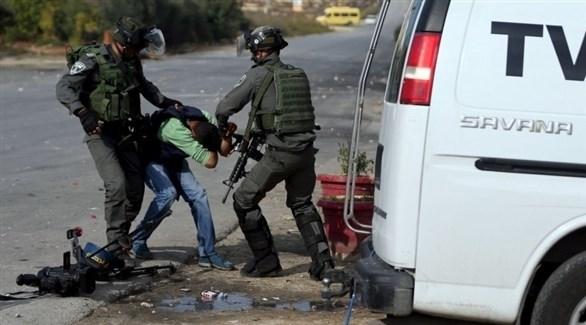 الاحتلال يعتقل صحفي في الضفة الغربية (أرشيف)