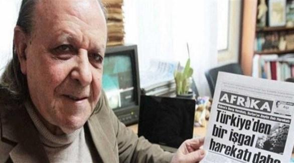الصحافي القبرصي التركي المناهض لأردوغان شنير ليفنت وصحيفته (أرشيف)