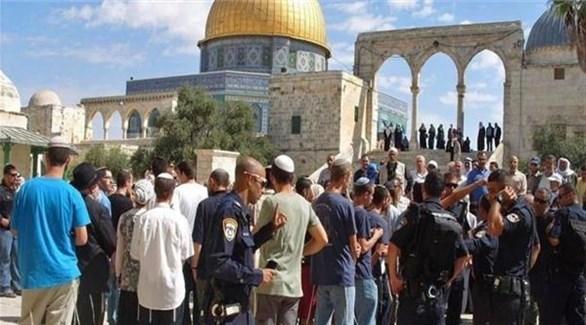 مستوطنون وعناصر من مخابرات الاحتلال يقتحمون الأقصى (أرشيف)