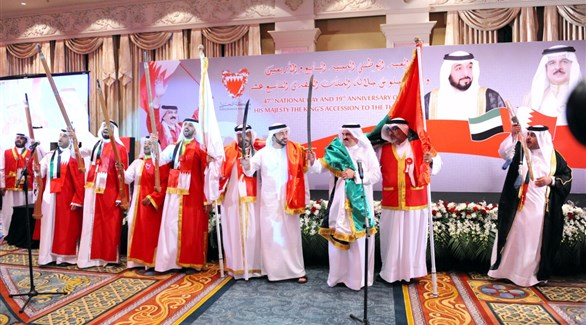 الشيخ عبدالله بن زايد أثناء حضوره حفل الاستقبال بسفارة البحرين (وام)