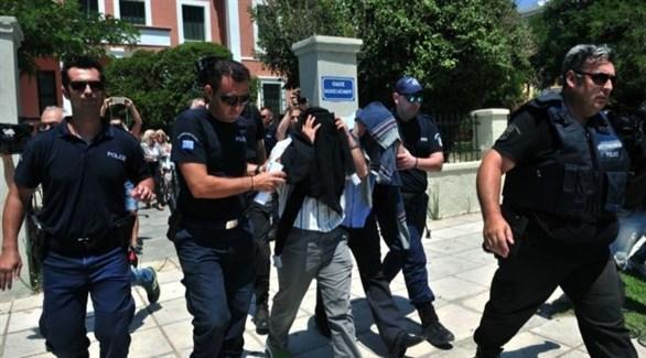 رجال أمن أتراك أثناء اعتقال مطلوبين (أرشيف)
