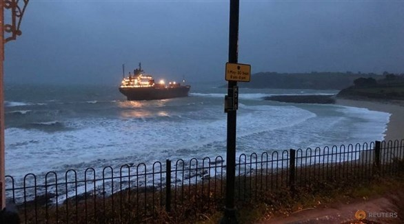 جنوح سفينة روسية أمام سواحل إنجلترا (تويتر)