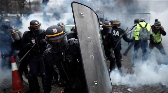 عناصر من الأمن الفرنسي خلال احتجاجات السترات الصفراء في باريس (أرشيف)