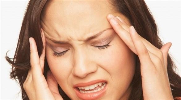 الصداع النصفي يهاجم النساء أكثر من الرجال (أرشيفية)