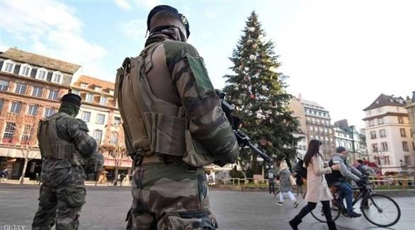 جنديان فرنسيان في أحد شوارع ستراسبورغ (أرشيف)