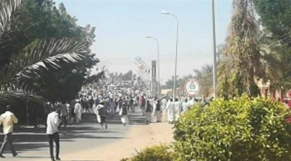 احتجاجات في مدينة عطبرة السودانية (سودان تايمز)