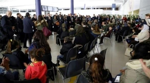 أيزيديات ضحايا تنظيم داعش الإرهابي وأولادهن مطار رواسي (France 24)