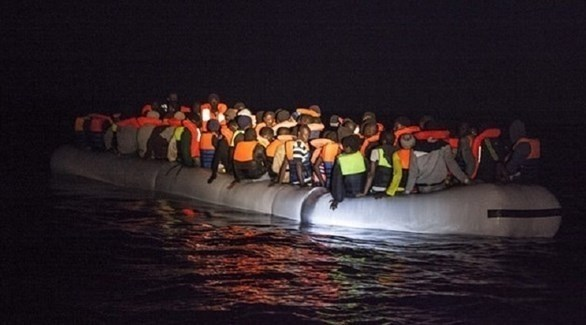 قارب يقل عدداً من المهاجرين (أرشيف)