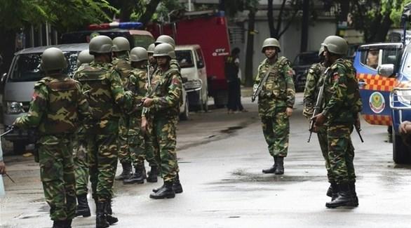 قوات من الجيش في شوارع بنغلاديش (أرشيف)