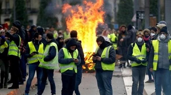 محتجون من أصحاب