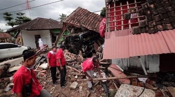 عمليات البحث عن ناجين في أندونيسيا (أرشيف)