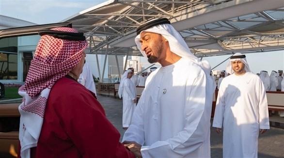 جانب من لقاء الشيخ محمد بن زايد آل نهيان وملك البحرين (تويتر)