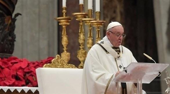 البابا فرنسيس في قداس ليلة عيد الميلاد (تويتر)