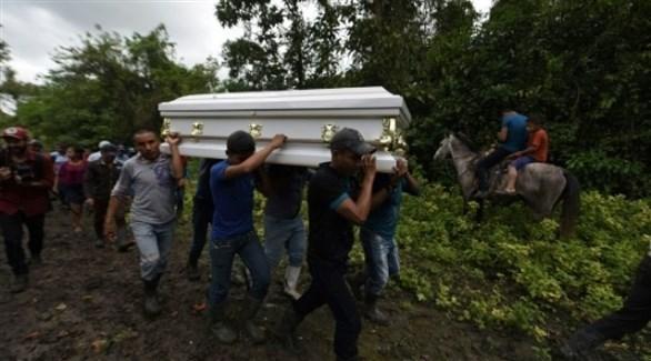 جنازة جاكلين كال في موطنها غواتيمالا  (أ ف ب)